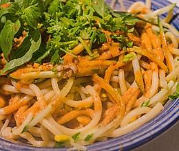 安徽美食小吃之阜阳格拉条做法的做法