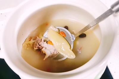 花胶(鱼胶)炖猪骨汤