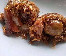 咸蛋黄板栗鲜肉粽的做法