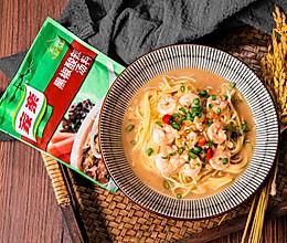 快手酸汤鲜虾面,10分钟拯救夏日无味生活的做法