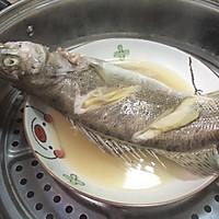 清蒸鲈鱼 (自制蒸鱼豉油)的做法图解3