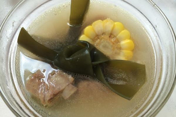【夏季养生】排骨海带玉米汤的做法