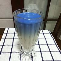 蓝色天空牛奶的做法图解4