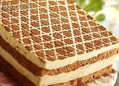 生日蛋糕:提拉米苏
