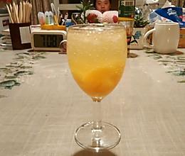 黄桃鸡尾酒(不含酒精)的做法