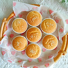 新手也能做的超好吃奶香浓郁海绵纸杯蛋糕