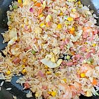 剩米饭的华丽蜕变—虾仁炒米饭的做法图解12