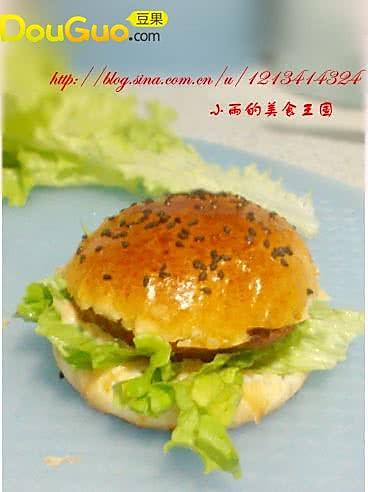 营养早餐猪肉汉堡的做法