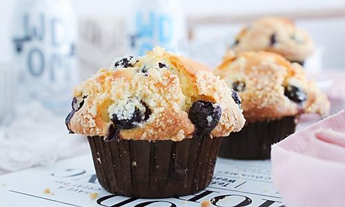 蘑菇头蓝莓玛芬蛋糕的做法