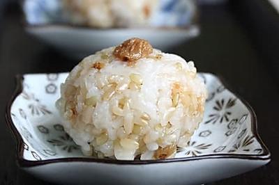糙米甜饭团