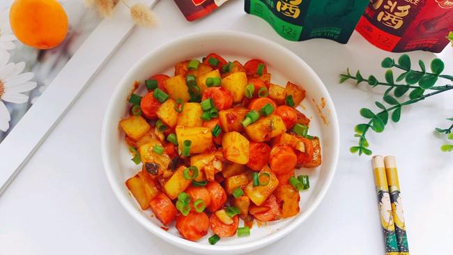 #烤究美味 灵魂就酱#孜然土豆火腿肠的做法