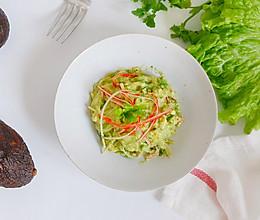 蟹柳牛油果沙拉的做法