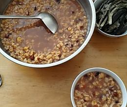 苞米碴子粥的做法
