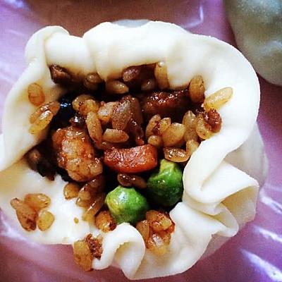 喜欢吃糯米饭,漂亮的烧卖的做法 步骤6