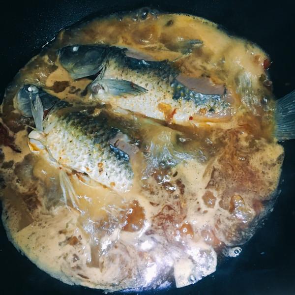 水煮鲫鱼(川味家常)的做法