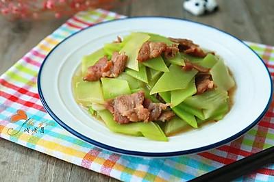 清脆可口莴苣炒肉
