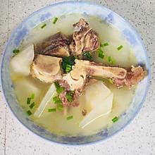 牛脊骨萝卜汤