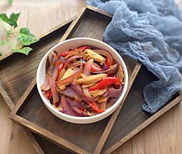 鸡胸肉炒洋葱 鸡胸肉鲜嫩的窍门的做法