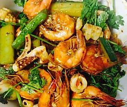 干锅鱿鱼虾的做法