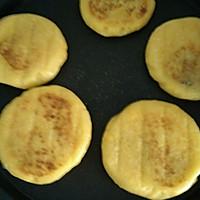 宝宝餐之玉米面豆沙饼的做法图解4