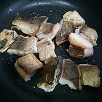 红烧鱼块#金龙鱼外婆乡小榨菜籽油 最强家乡菜#的做法图解2