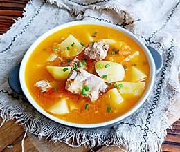 #美食新势力#番茄土豆排骨汤的做法