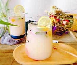 #助力高考营养餐#自制柠檬蜂蜜气泡水的做法