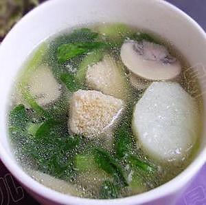 鲜蔬蘑菇汤