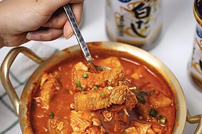 韩式五花肉辣白菜大酱汤