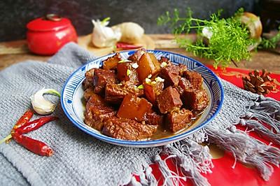 大红萝卜炖牛肉