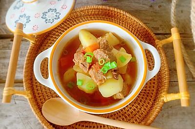 牛腩土豆胡萝卜汤