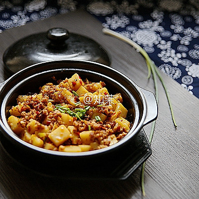 能吃三大碗的下饭菜【米豆腐肉泥】
