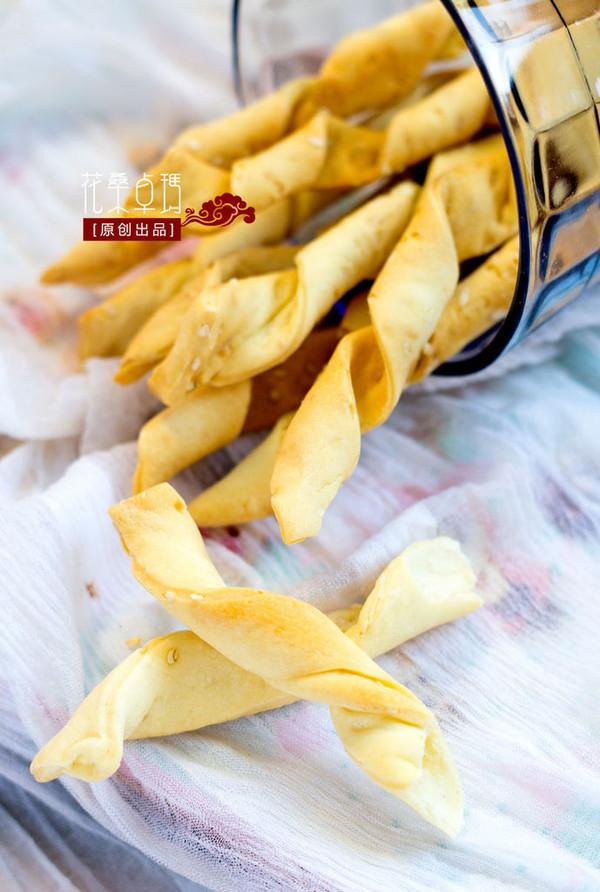【芝麻酥条】酥脆可口的美味零食的做法