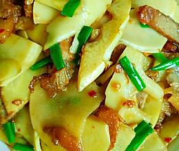 腊肉炒竹笋的做法