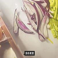 #饕餮美味视觉盛宴#丰富餐桌味 秒杀西餐厅的鸡胸肉黑椒意面的做法图解5