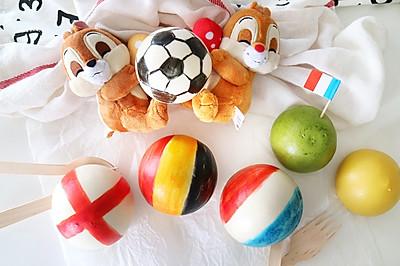 世界杯助威!彩绘红豆包
