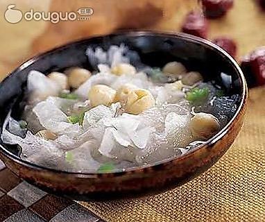 竹笋银耳汤的做法