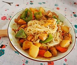 快手午餐:土豆鸡块拌面的做法