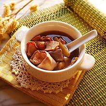 红莲墨鱼猪肚汤