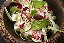 西芹草莓沙拉的做法