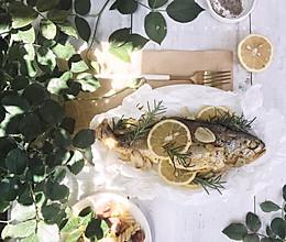 纸包柠檬烤鱼#做道懒人菜,轻松享假期#的做法