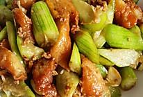 小炒丝瓜肉末油条的做法