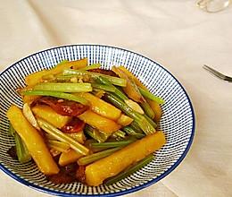 芹菜土豆加点儿肉的做法