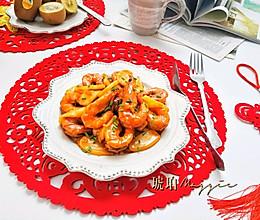 #憋在家里吃什么#让人吮指回味的年糕油焖虾的做法