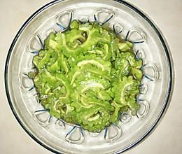 夏日必备燃脂菜品:凉拌苦瓜的做法