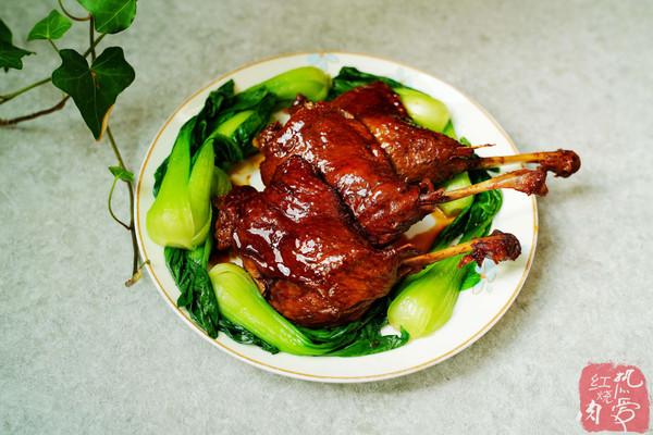 鴨肉這么做一點也不腥味道真不錯,一滴油都不用放,好吃還不上火