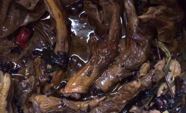 柳州螺蛳鸭脚煲