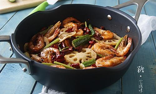 【香辣虾】滋润一下被夏季侵蚀的胃的做法