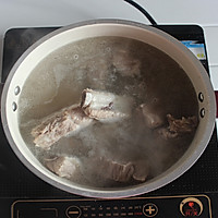 海带黄豆煲小排的做法图解2