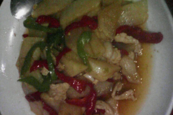 红椒地瓜肉片的做法